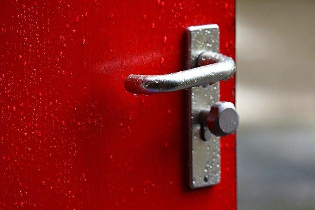 דלת כניסה לבית – כמה יעלה לכם להחליף אותה